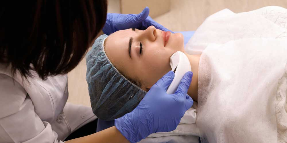 The Pros and Cons of HIFU Facial Treatments | RT Aesthetics